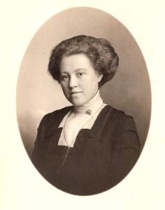 1917 Adelina